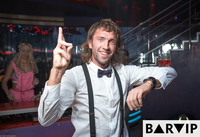 фото - Бармен шоу - бармен Евгений